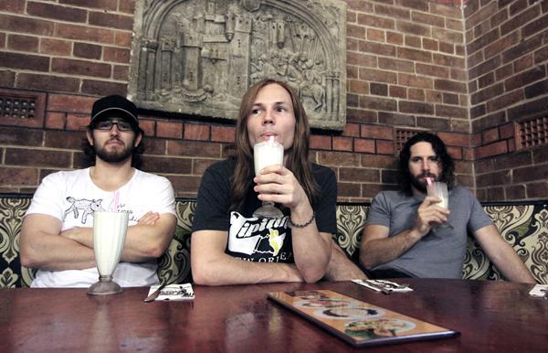 Brisbane Rock Trio MofoIsDead Drop Single 'Born Shit Die' Ahead Of 'Brisneyland' EP Release