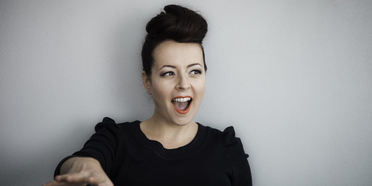 Song-Writing Tips From 'I Heart Songwriting Club' Leading Lady Francesca De Valence